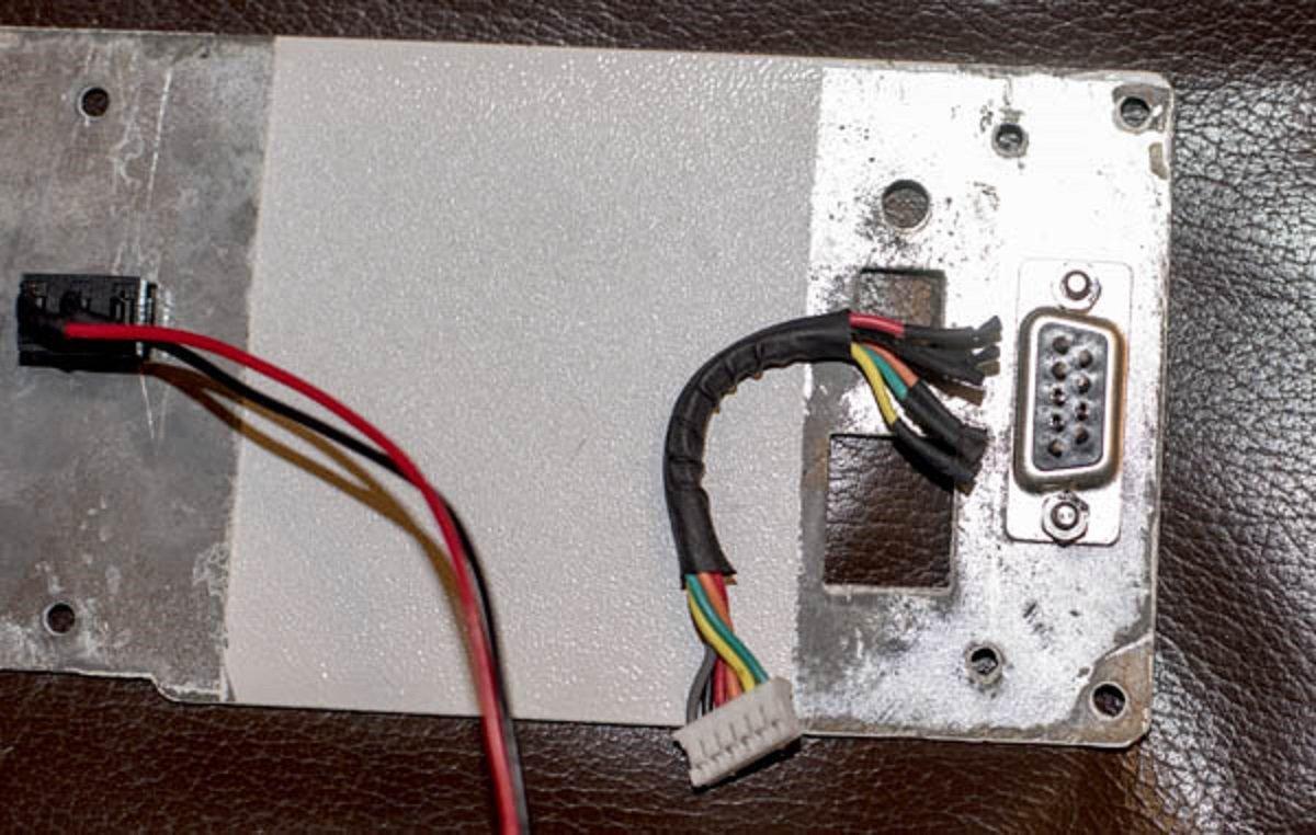 NEQ6 DB 9 wires 1 r.jpg