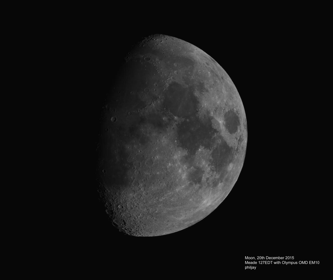 2015-12-20-Moon-EM10small.jpg