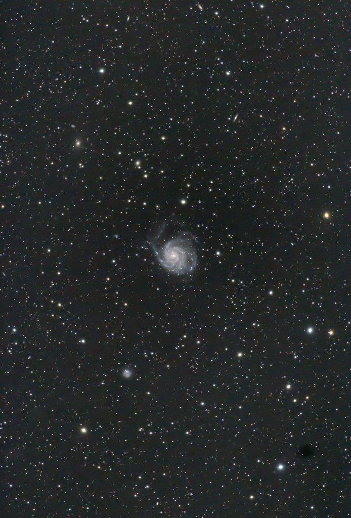 M101-1 20200323 120x180s 400mm F5.6 ISO1600
