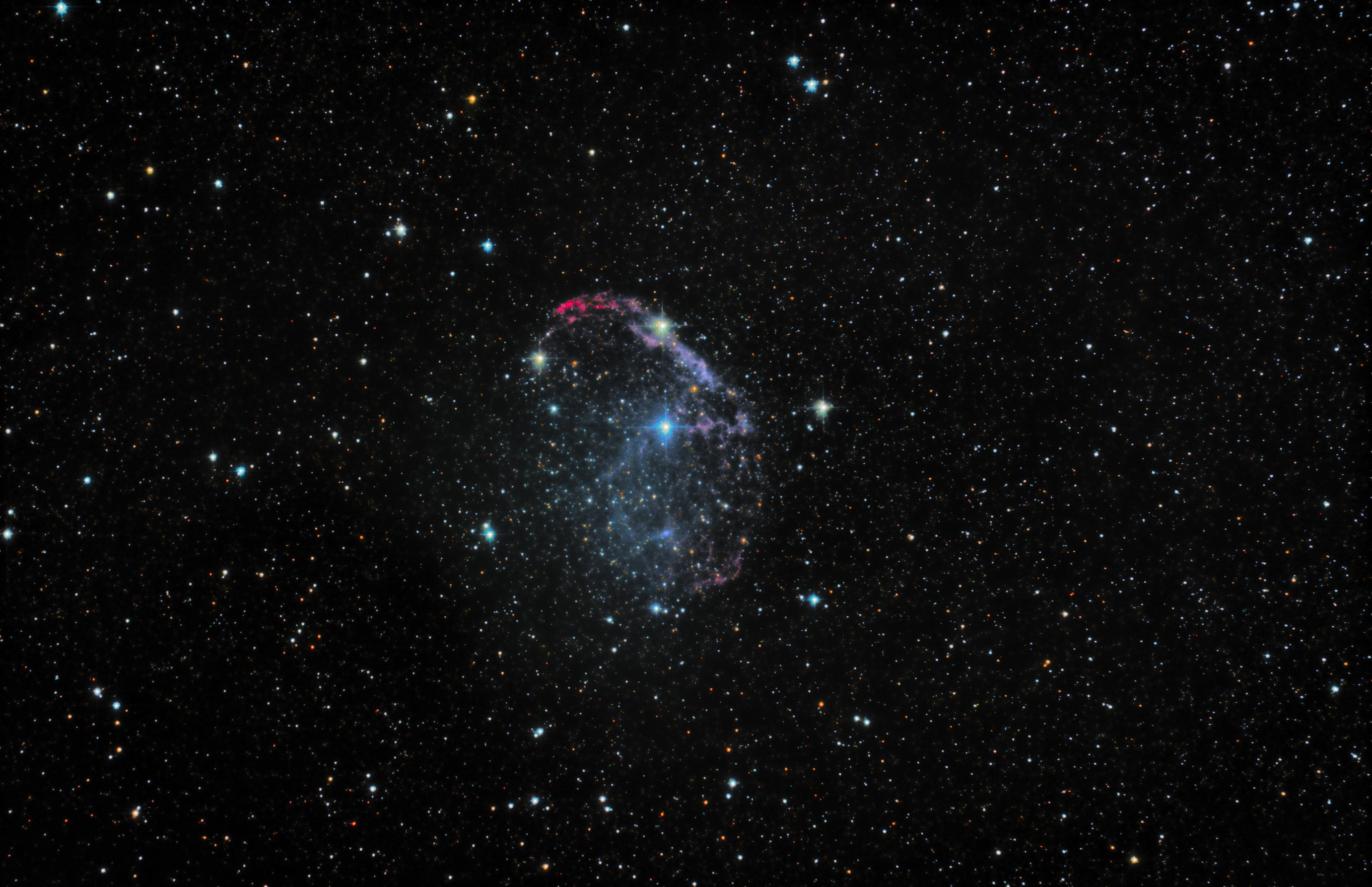 r_crescent neb_stackedx3data10hrsmk2.jpg